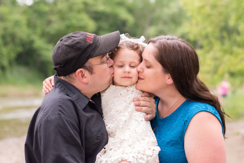 Cleveland wedding coordinator with family