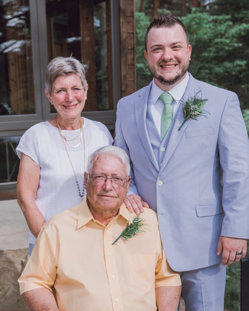 cleveland wedding planner groom with parents